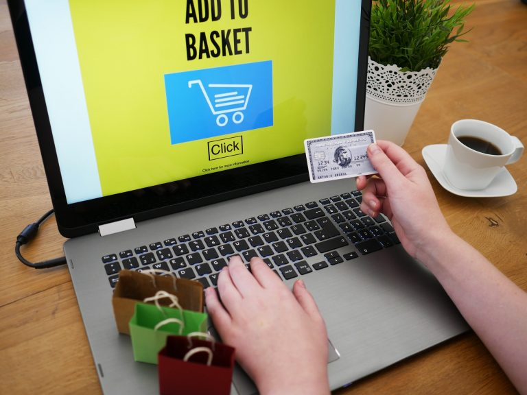 Shopping Online Crafty Universe